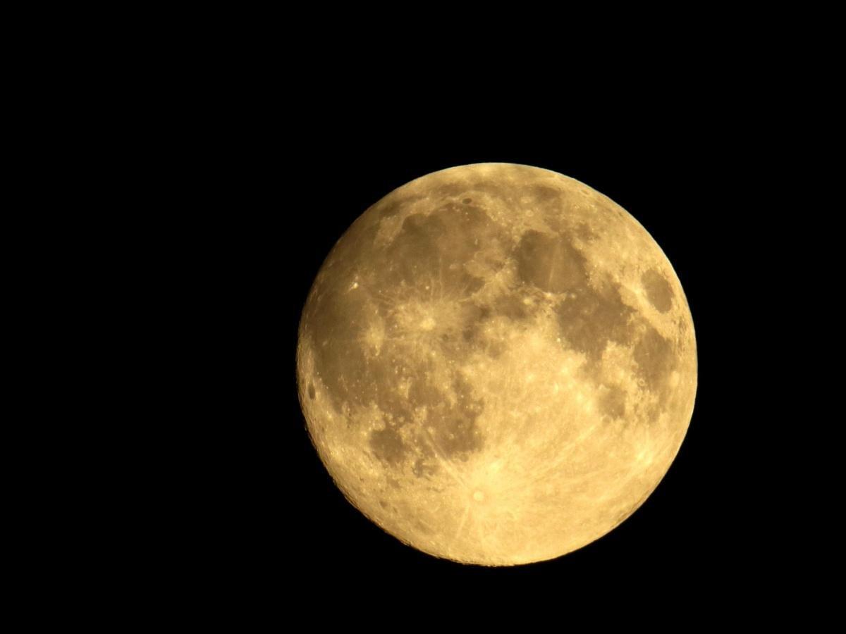 Луна - не звезда