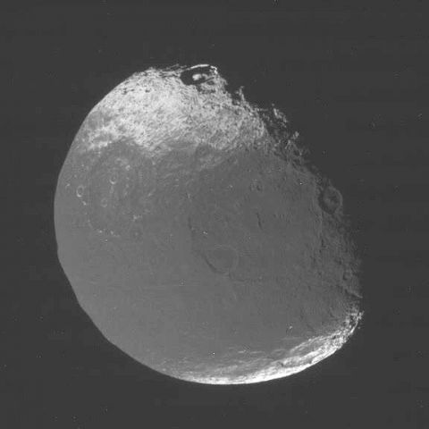 Спутник Япет