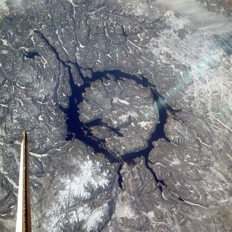 Кратер Маникуаган, появившийся 215 млн. лет назад